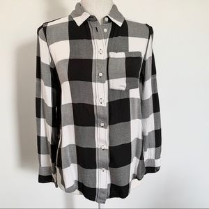 H&M Gingham Plaid Flannel Buttoned Shirt